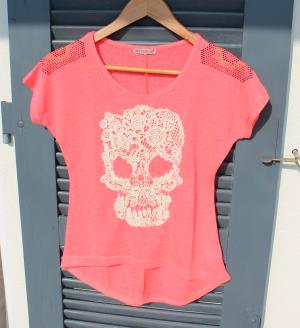 Shirt neonpink mit Totenkopf